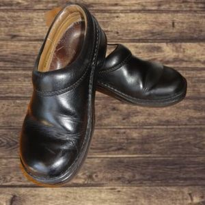 Birkenstock Black Clogs Sz 37 - US 6.5 Narrow